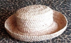 Pre Owned HEARTY Summer Hat
