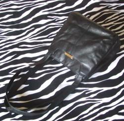 Pre-Owned Black Leather Shoulder Bag